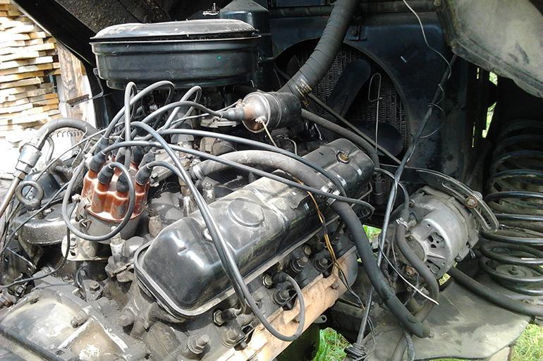 моторный отсек бензинового ГАЗ-66