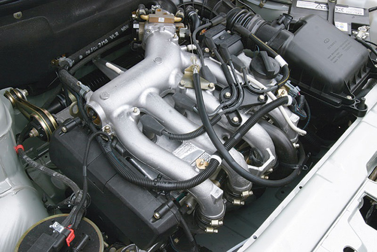 моторный отсек ВАЗ-2112