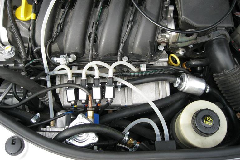 Моторный отсек Renault Duster