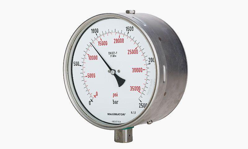 манометр для измерения давления в топливной системе